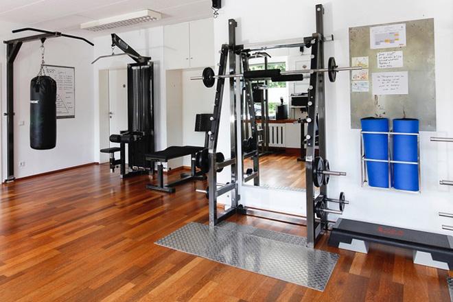 Kurs Physiologisch Rehabilitatives Training PRT, verschiedene Geräte für das Training