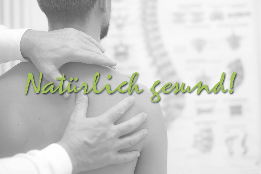 Oellerich Lebensenergie: Natürlich gesund! Physiotherapeut behandelt die Schulter eines Mannes